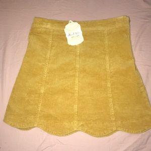 ✨NEW W/ TAGS✨Corduroy skirt!